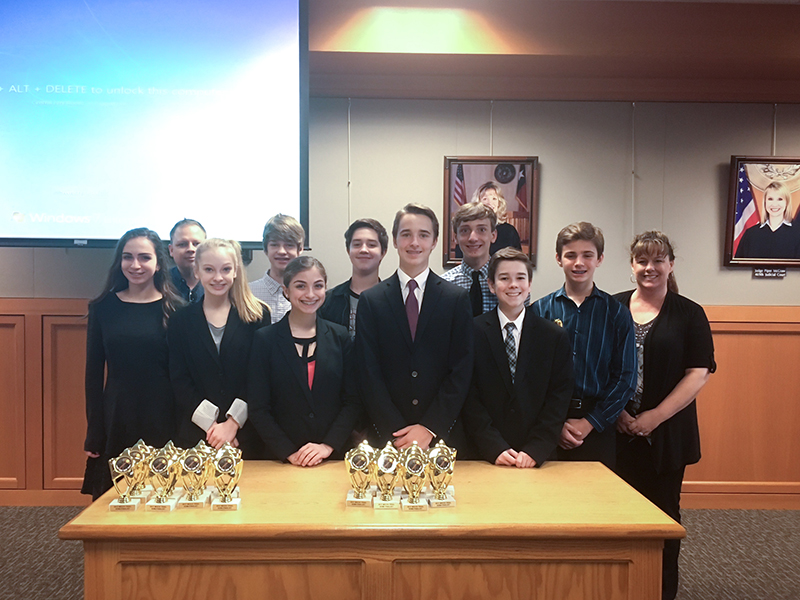 Group photo of the 2017 CCBA Mock Trial team from Cockrill Middle School